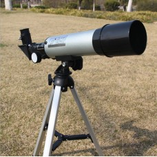 Refraction type small astronomical 90x telescope
