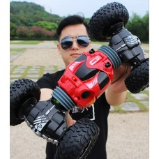 2.4G remote control twisted Off-Road car with excellent off-road performance